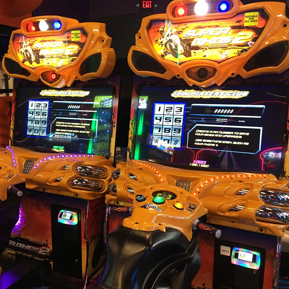 Play Motor Race